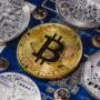 Bitcoin pokonał poziom 10 000 $ i korekta do 9700$ co dalej ?